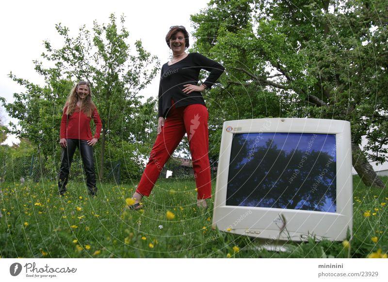 Die Medienweiber Frau Wiese Garten Computer Natur Technik & Technologie