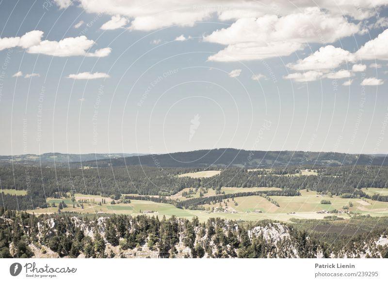 Heiter bis wolkig schön Ferne Berge u. Gebirge Umwelt Natur Landschaft Pflanze Urelemente Luft Himmel Wolken Horizont Sommer Wetter Schönes Wetter Baum Wald