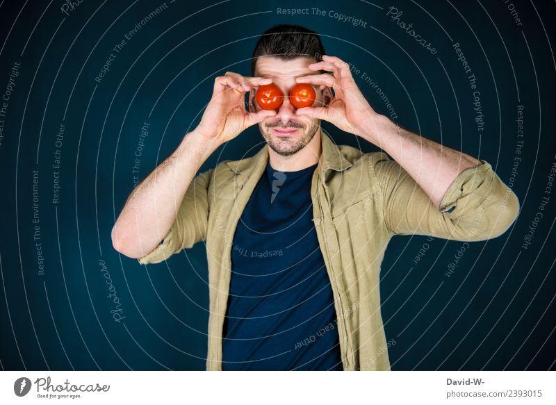 Wörtlich genommen l Tomaten auf den Augen Mann augen haben Gemüse rot sehe Blick Blick in die Kamera blind Redewendung unachtsam unaufmerksam Sprichwort