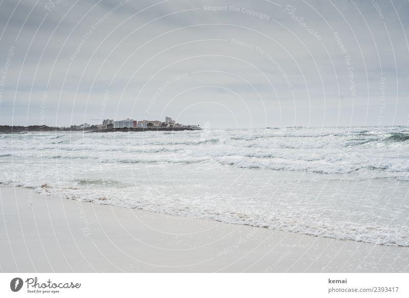 Weite am Meer Zufriedenheit Sinnesorgane Erholung ruhig Ferien & Urlaub & Reisen Ausflug Abenteuer Ferne Freiheit Strand Wellen Natur Landschaft Himmel Wolken