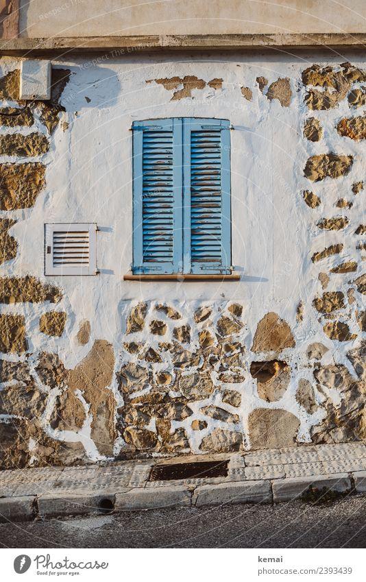 Mediterranes Fenster Ferien & Urlaub & Reisen blau schön Erholung Haus ruhig Wand natürlich Mauer Tourismus Fassade Häusliches Leben Ausflug Freizeit & Hobby