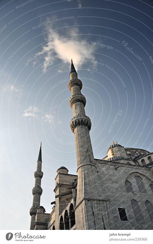 wolkenkratzer Himmel blau Ferien & Urlaub & Reisen schön Wolken Architektur grau Religion & Glaube Gebäude groß Macht Hoffnung Bauwerk Glaube historisch Sehenswürdigkeit