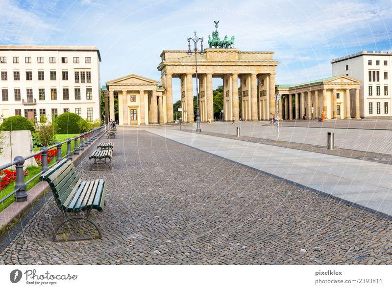 Brandenburger Tor Ferien & Urlaub & Reisen alt Sommer Stadt Haus Architektur Berlin Gebäude Tourismus Deutschland Ausflug Europa Platz groß hoch historisch