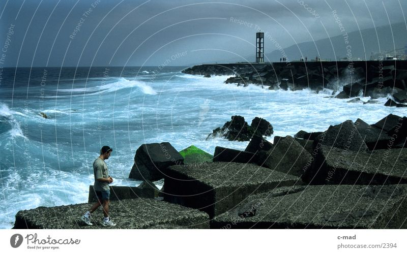 teneriffa - Puerto de la Cruz Mensch Wolken Farbe Europa Spanien Brandung Kanaren überblicken Teneriffa Puerto de la Cruz