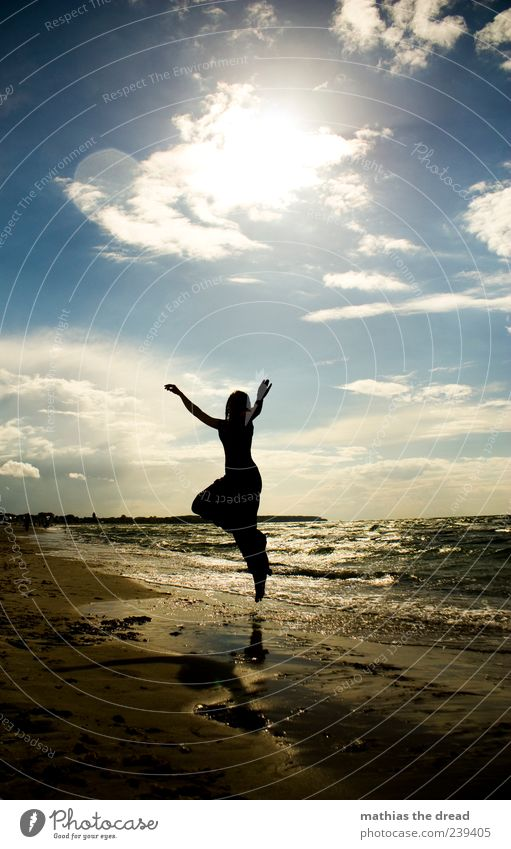 XIII Lifestyle elegant Stil Freude Glück Mensch feminin Junge Frau Jugendliche Umwelt Natur Landschaft Himmel Wolken Horizont Sonnenaufgang Sonnenuntergang