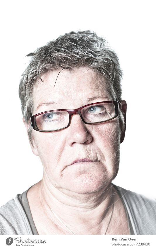 Weißes Porträt Frau Erwachsene Weiblicher Senior Leben Gesicht 1 Mensch 45-60 Jahre 60 und älter Brille Haare & Frisuren grauhaarig weißhaarig kurzhaarig alt