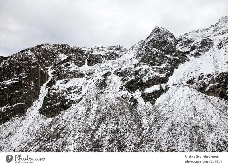 Umweltverschmutzung Natur weiß Wolken Landschaft dunkel kalt Schnee Berge u. Gebirge Herbst grau Eis Felsen hoch Frost Spitze Alpen