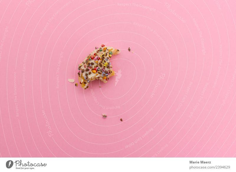 Letzter Bissen von einem leckeren Donut Teigwaren Backwaren Kuchen Süßwaren Ernährung Essen Ekel frech frisch klein süß rosa Laster Appetit & Hunger Völlerei