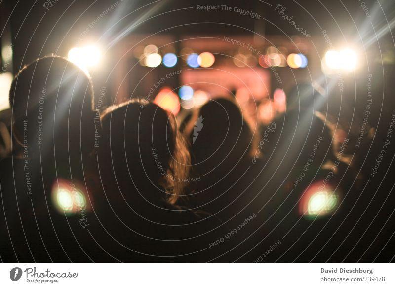 Live@concert Mensch Frau Mann schwarz Menschengruppe Paar Musik Feste & Feiern Zusammensein Freizeit & Hobby Show genießen Veranstaltung Liebespaar