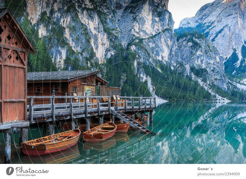 Bootshaus am Pragser Wildsee_001 Ferien & Urlaub & Reisen Wasser Erholung Berge u. Gebirge natürlich Holz Tourismus See Ausflug wandern Idylle Abenteuer