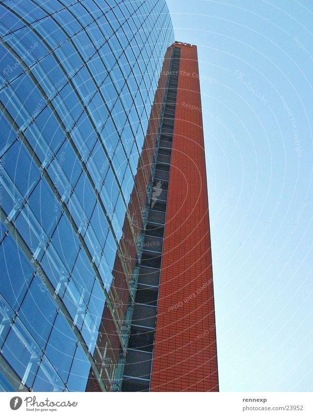 _ANDROMEDA_Tower_II_ Gebäude Hochhaus Bürogebäude Fenster Etage strahlend Mittag Ameise Froschperspektive Respekt Blick Architektur Europa hochaus glasftront