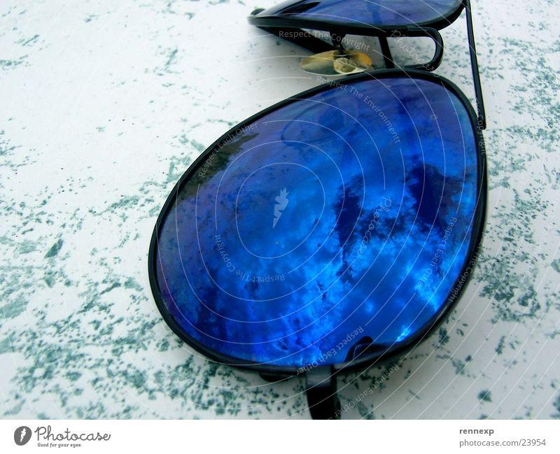 Brille & Himmel 2 Wolken Reflexion & Spiegelung Sonnenbrille Freizeit & Hobby blau