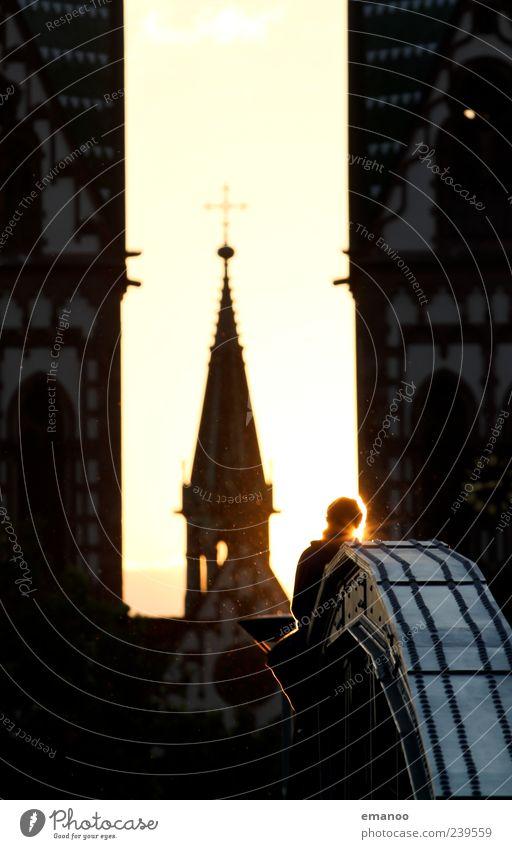 Brückensicht Mensch Himmel Ferien & Urlaub & Reisen Stadt Sonne Erholung Haus dunkel Architektur Gebäude Religion & Glaube sitzen Tourismus genießen Kirche