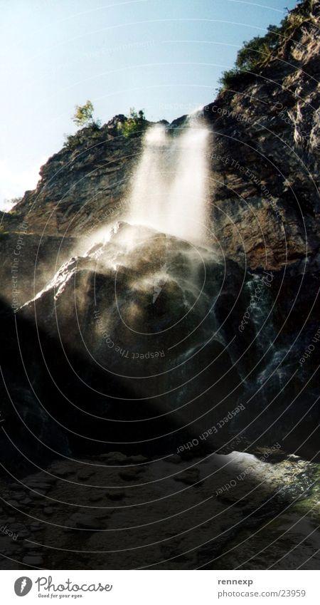 Wasser fällt oft wunderschön Licht himmelblau Der Herr der Ringe Wasserfall Schattem Lichtstrahl Himmel lord of the rings