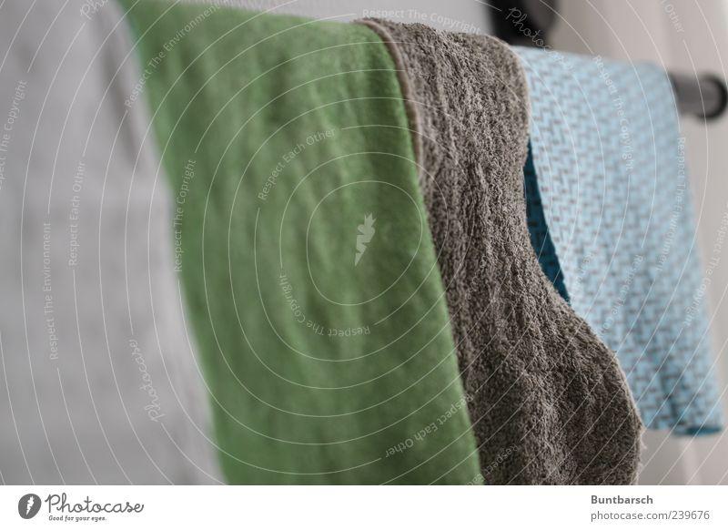 Lappen blau grün grau dreckig nass Stoff Reinigen Sauberkeit trocken hängen Wäsche Textilien Tuch aufhängen Reinlichkeit Putztuch