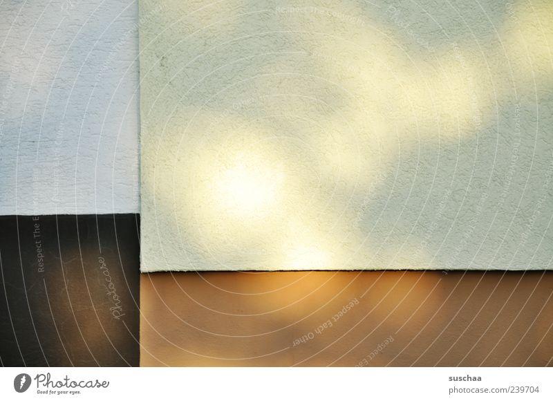 hauswand weiß Wand Architektur Mauer Gebäude Linie braun Beton Design Teilung Putz Lichtspiel Maserung Lichtpunkt Schattenspiel Nahaufnahme
