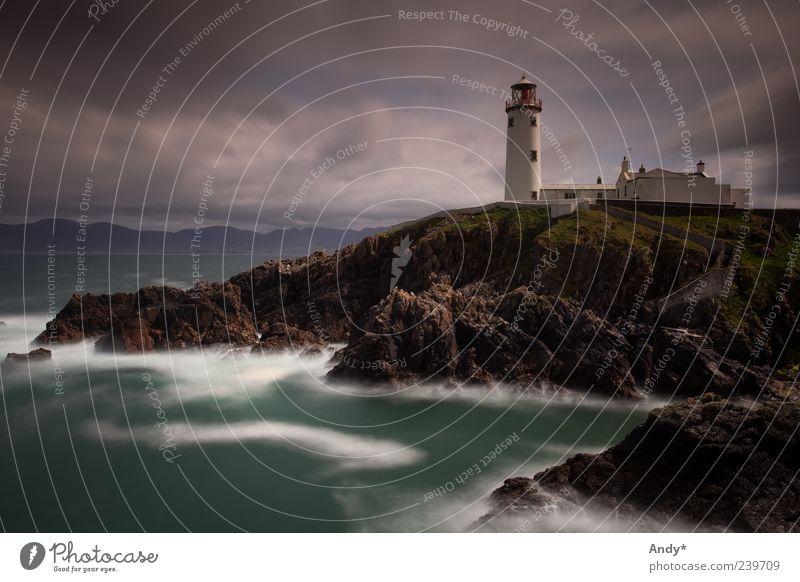 Fanad Head lighthouse Himmel Ferien & Urlaub & Reisen Meer Wolken Ferne Landschaft dunkel Architektur Küste Felsen Insel Tourismus Europa bedrohlich Leuchtturm