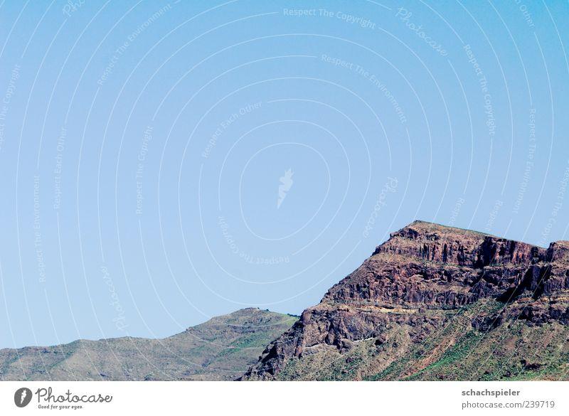 Siehst du die Berge ... Natur blau Ferien & Urlaub & Reisen Sommer Ferne Umwelt Landschaft Berge u. Gebirge Freiheit braun Felsen Reisefotografie Tourismus