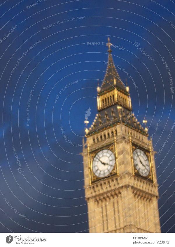 Einfach Big Ben London England Unschärfe Uhrenturm Wahrzeichen Sehenswürdigkeit Kunst Englisch Sonnenlicht Wolken Denkmal Beleuchtung verrückt Himmel