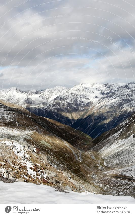 Höhen und Tiefen Natur Wolken ruhig Umwelt Landschaft Straße kalt Schnee Berge u. Gebirge Herbst Gras Eis Wetter Felsen Reisefotografie wild