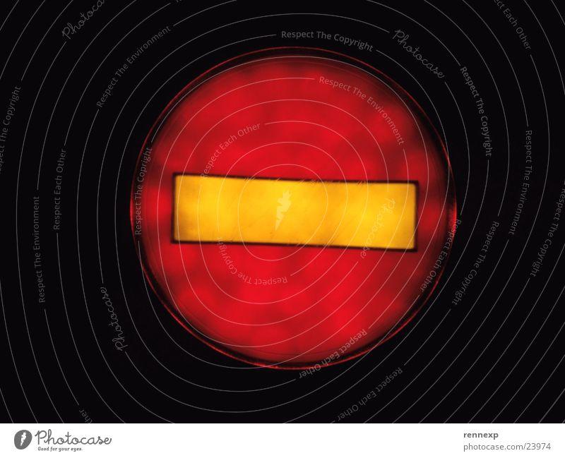 !!! Stop !!! Lampe Linie Ende stoppen Zeichen Hinweisschild Verbote Anzeige Halt Aufenthalt Piktogramm Rolltreppe beenden Einbahnstraße