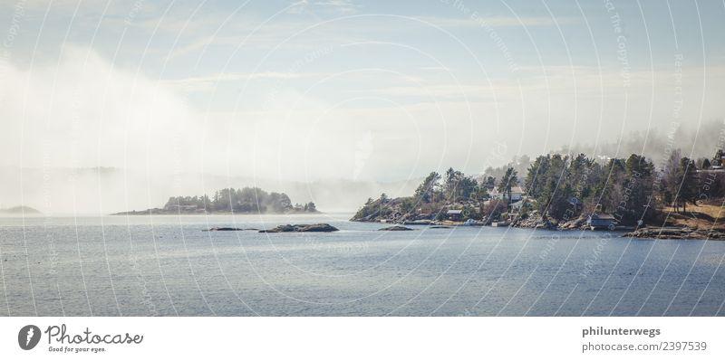 Nebelwolken ziehen über das Wasser Umwelt Natur Himmel Wolken Sonne Klima Schönes Wetter Wind Wald Hügel Wellen Küste Bucht Fjord Meer See Telemark Norwegen