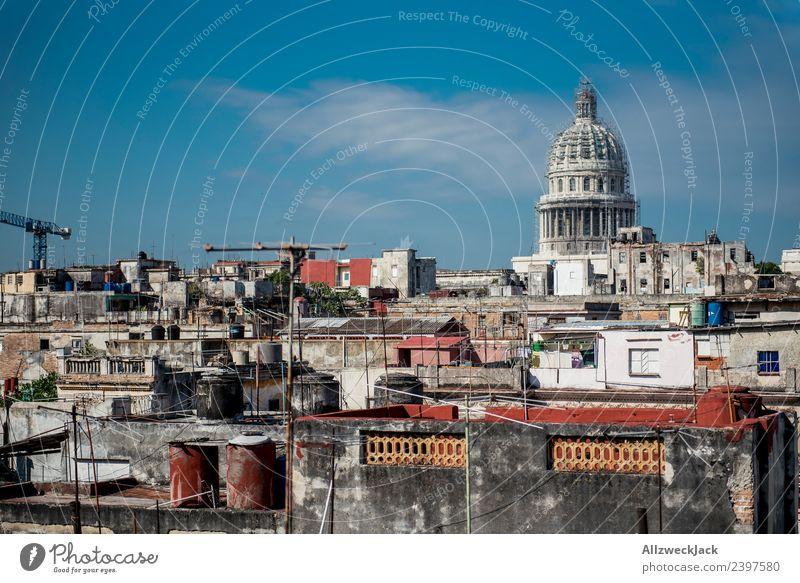 Blick über Havanna Vieja auf das Capitol Ferien & Urlaub & Reisen Sommer Reisefotografie Aussicht Beton Baustelle Sehenswürdigkeit Skyline Wahrzeichen Wohnhaus