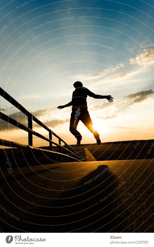 fernweh Lifestyle Stil Freizeit & Hobby maskulin Junger Mann Jugendliche 1 Mensch 18-30 Jahre Erwachsene Natur Landschaft Himmel Wolken Horizont Sonnenaufgang