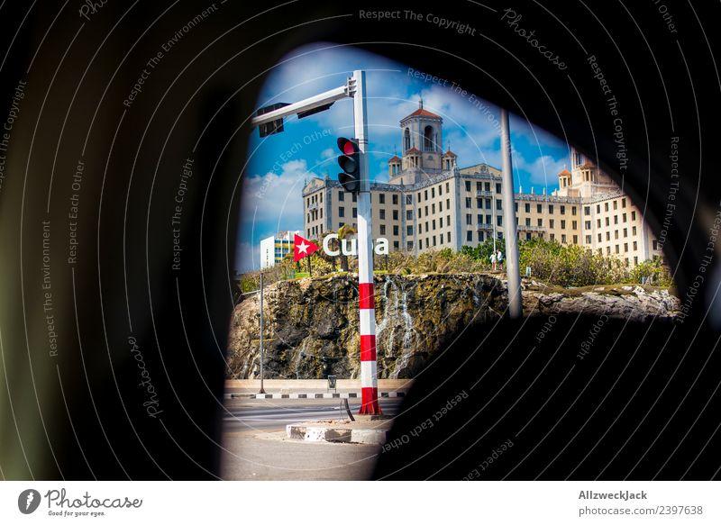 Blick durchs Autofester auf den Malecón in Havanna Ferien & Urlaub & Reisen Sommer Stadt Sonne Haus Wolken Reisefotografie Straße Ausflug Verkehr PKW Insel