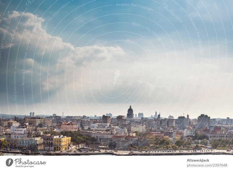 Blick auf die Skyline von Havanna Ferien & Urlaub & Reisen Sommer Stadt Sonne Haus Wolken Reisefotografie Küste Ausflug Aussicht Insel Schönes Wetter