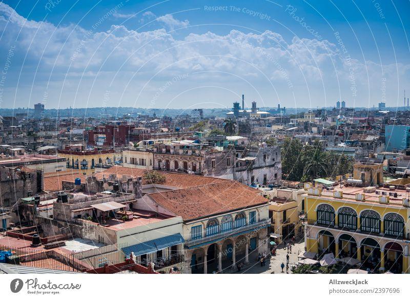 Blick auf die Skyline von Havanna Kuba Insel Sozialismus Ferien & Urlaub & Reisen Reisefotografie Ausflug Sightseeing Stadt Blauer Himmel Wolkenloser Himmel
