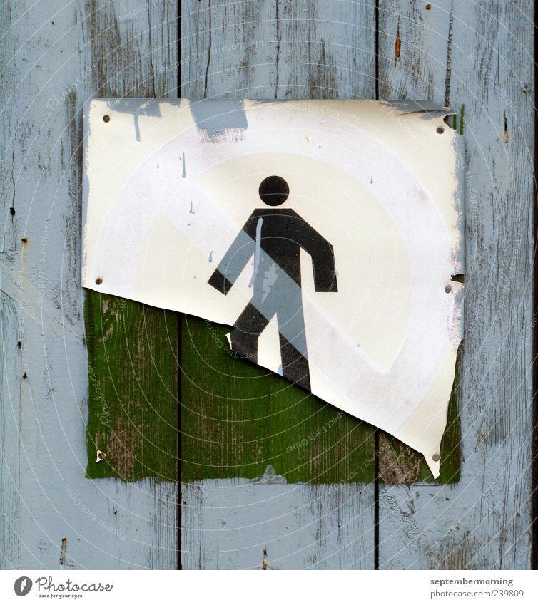 Treppensteiger Holz Metall Schilder & Markierungen gehen alt fest blau Verbote Verfall Farbfoto Nahaufnahme Menschenleer Hinweisschild retro verfallen