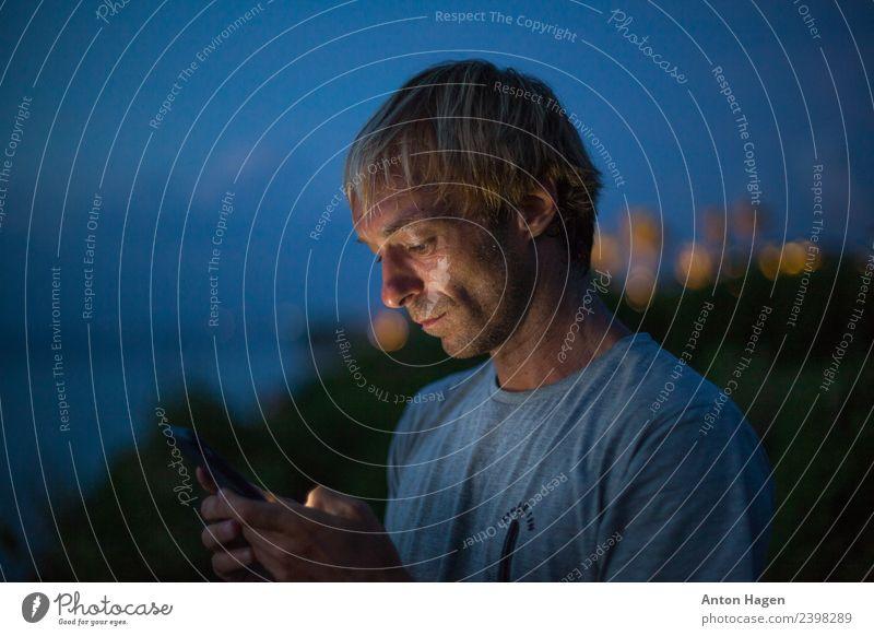 Mensch Mann Erwachsene Kommunizieren Handy 30-45 Jahre