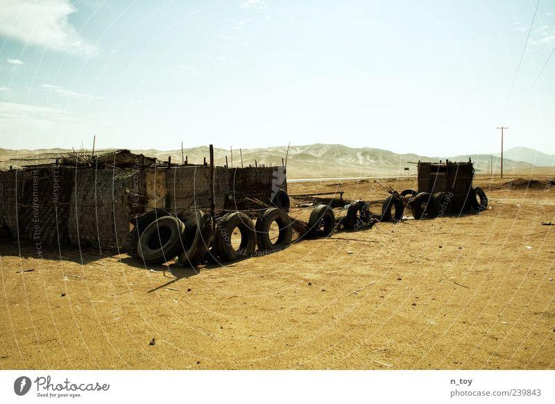 irgendwo im nirgendwo Himmel Natur Ferien & Urlaub & Reisen Einsamkeit Umwelt Landschaft Gefühle Sand Stimmung Reisefotografie Armut trist Schönes Wetter Wüste