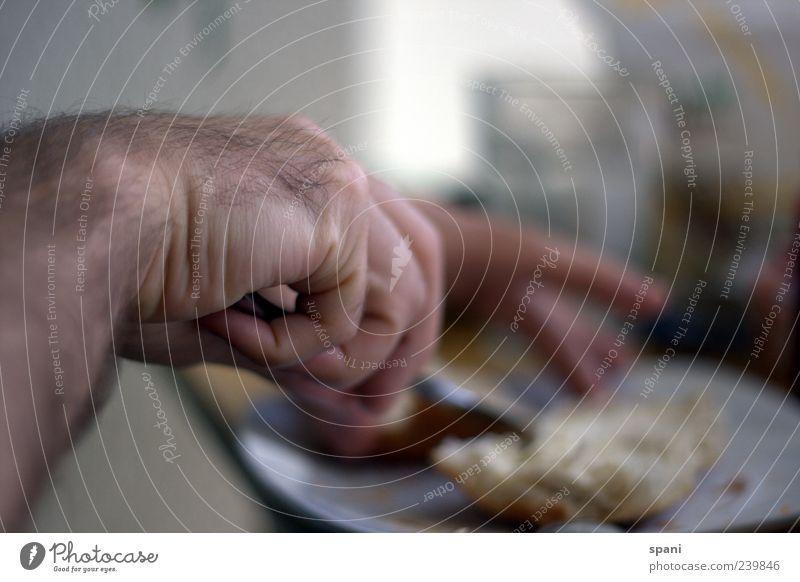 lecker... Mensch Hand Essen Finger machen Frühstück Teller Brötchen Messer Butter Mahlzeit zubereiten