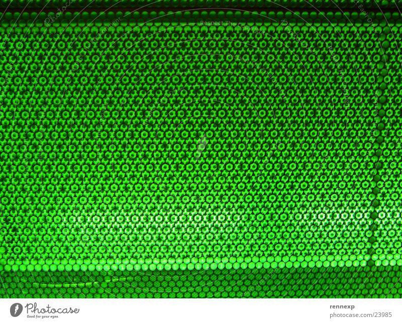 XXXGREENXXX Gitter Loch gelöchert Blech gefangen Licht grün grell Neonlicht strahlend Lampe Leuchtstoffröhre Wiese Matrix Architektur modern Metall gelocht