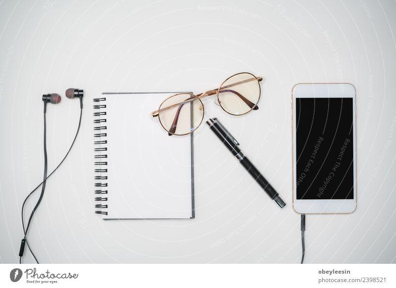 Minimaler Arbeitsbereich Kreative flache Verlegung mit modischem Objekt Lifestyle Stil Leben Ferien & Urlaub & Reisen Ausflug Sommer Dekoration & Verzierung