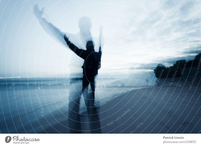 Praise You Mensch Mann Natur Strand Wolken Erwachsene Umwelt dunkel Leben Gefühle Bewegung Religion & Glaube Glück Sand Zufriedenheit Arme