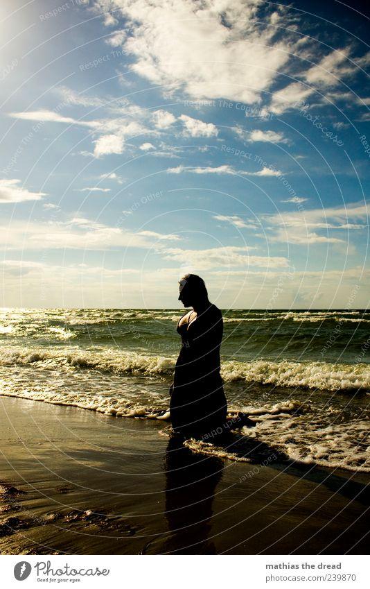 XV Lifestyle elegant Stil Freude Mensch Junge Frau Jugendliche Umwelt Natur Landschaft Wasser Himmel Wolken Horizont Sonnenaufgang Sonnenuntergang Sommer