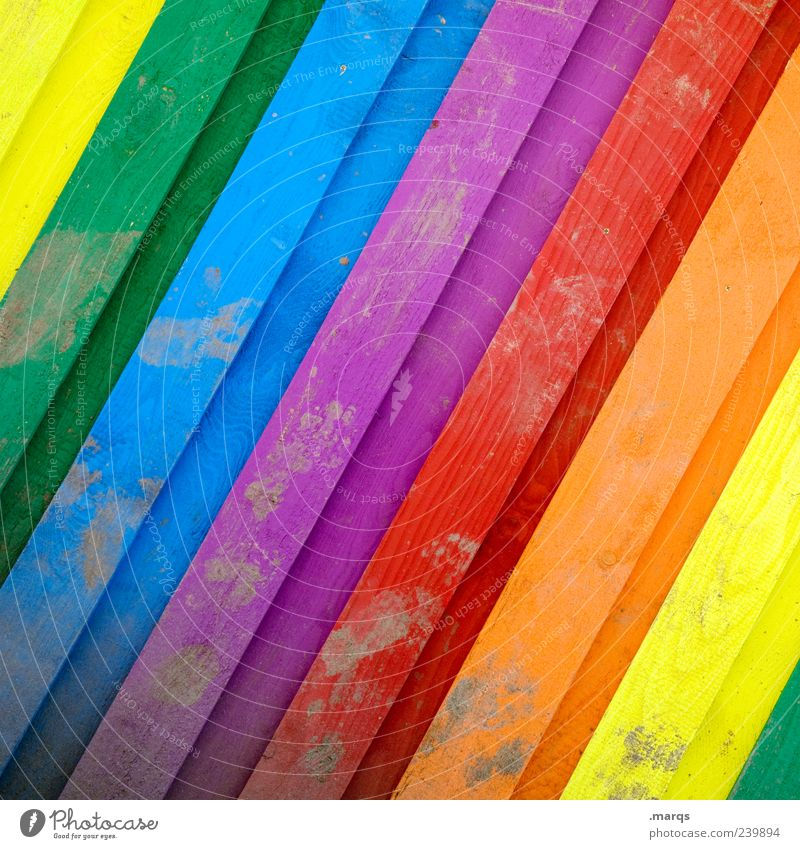 Spektrum schön Farbe Holz Glück Linie Fassade dreckig leuchten mehrfarbig Lamelle spektral regenbogenfarben