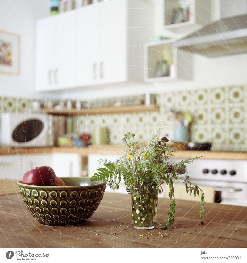 küche Frucht Apfel Schalen & Schüsseln Häusliches Leben Wohnung Dekoration & Verzierung Tisch Küche Vase Blumenstrauß Freundlichkeit hell braun grün weiß