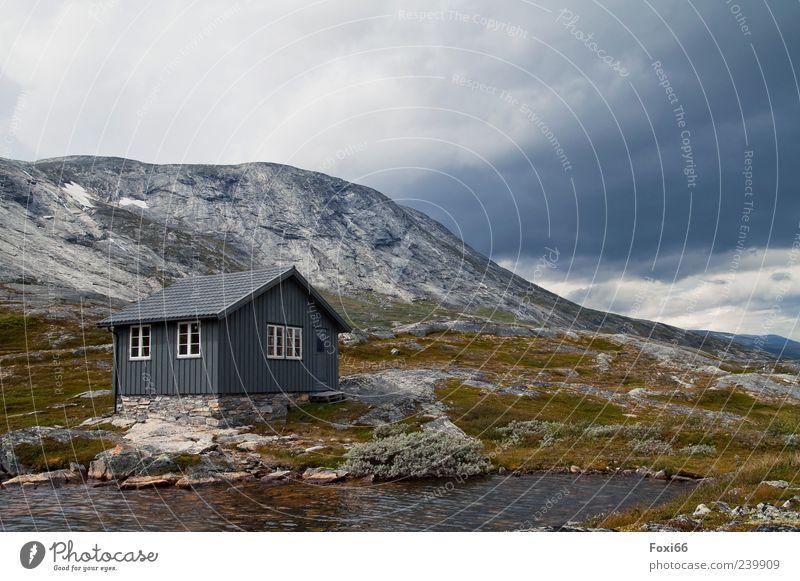 Haus am See Ausflug Sommer Berge u. Gebirge wandern Natur Landschaft Wasser Wolken Menschenleer Hütte Wege & Pfade Stein Holz entdecken Erholung schön Fernweh