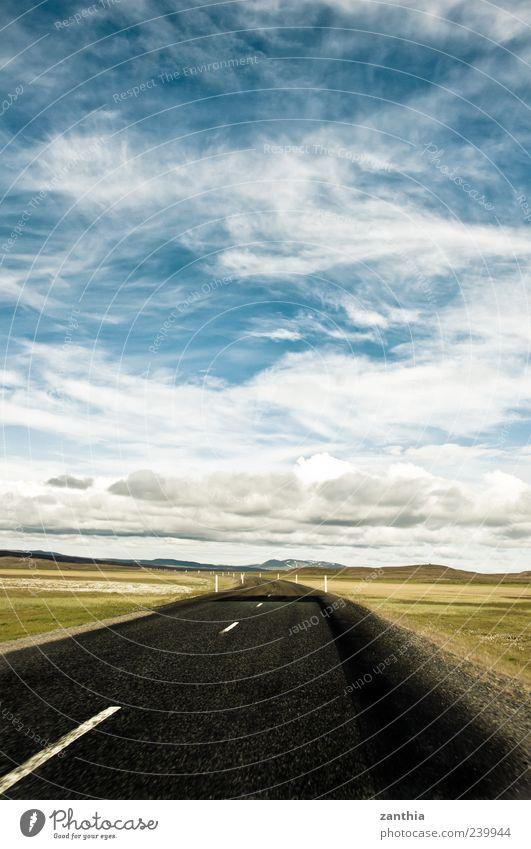 Route No. 1 Himmel blau weiß Sommer Einsamkeit Wolken schwarz ruhig Ferne Landschaft Straße Wege & Pfade Horizont Wandel & Veränderung Schönes Wetter Asphalt