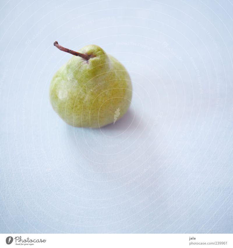 birne grün Ernährung Lebensmittel Gesundheit Frucht lecker Bioprodukte Diät Vegetarische Ernährung hell-blau Birne vitaminreich Vor hellem Hintergrund