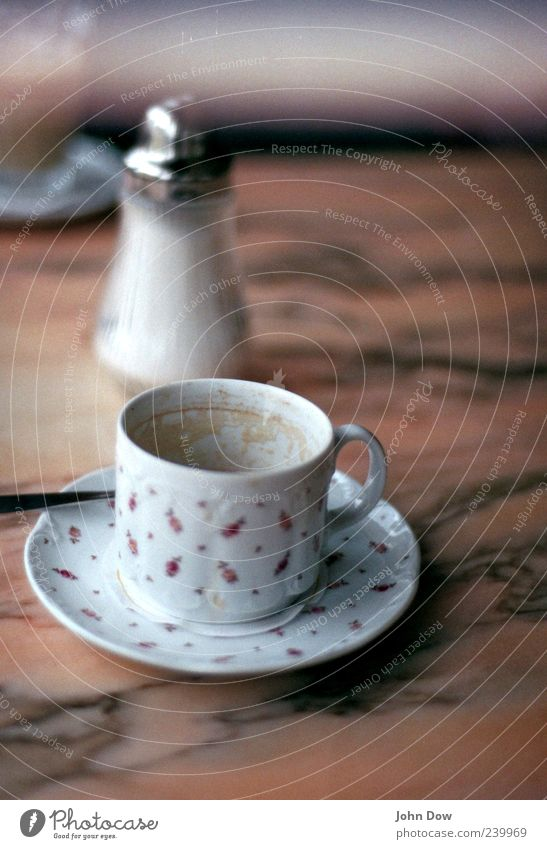 Analoges Heißgetränk Ernährung Getränk Kakao Kaffee Geschirr Tasse Kaffeepause Zucker Zuckerdose Untertasse Kaffeelöffel altmodisch Marmor Kaffeetasse