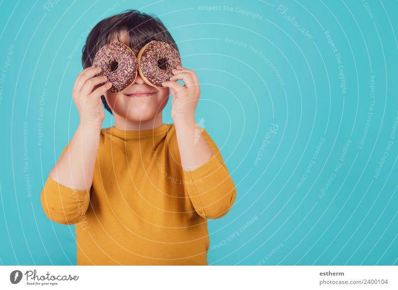 Kind Mensch Lifestyle lustig Glück Spielen Lebensmittel maskulin Ernährung Kindheit Lächeln Fröhlichkeit süß rund Neugier festhalten