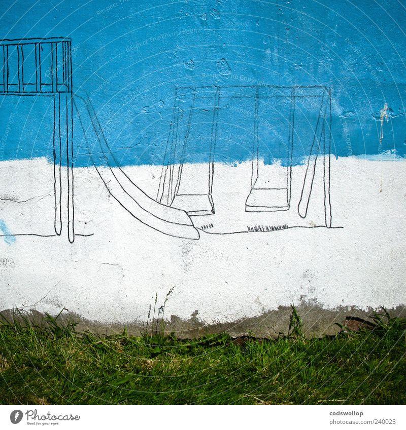 playground Spielplatz Mauer Wand blau grün weiß Wandmalereien Kunstwerk Schaukel Rutsche Farbfoto Außenaufnahme Menschenleer Totale gemalt außergewöhnlich