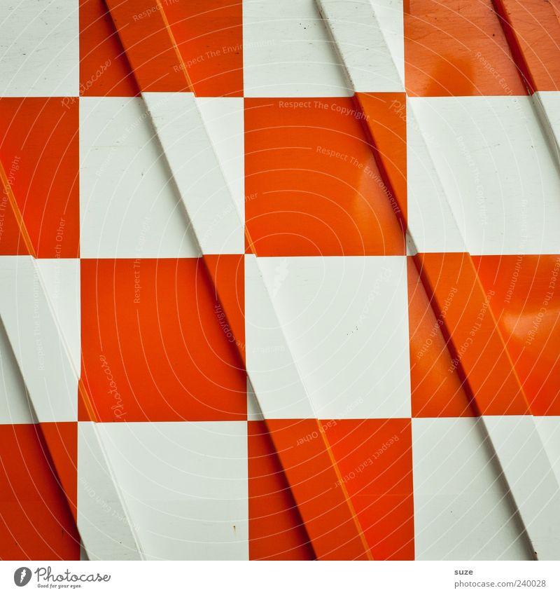 Karo Container Metall Zeichen weiß kariert Hintergrundbild diagonal orange Quadrat graphisch Grafik u. Illustration Wand Farbfoto mehrfarbig Außenaufnahme