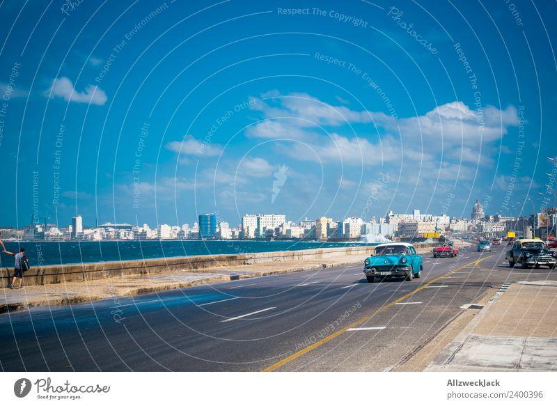 Oldtimer auf dem Malecon in Havanna Ferien & Urlaub & Reisen Sommer Wasser Meer Wolken Ferne Reisefotografie Straße Küste PKW Insel Skyline Fernweh Kuba