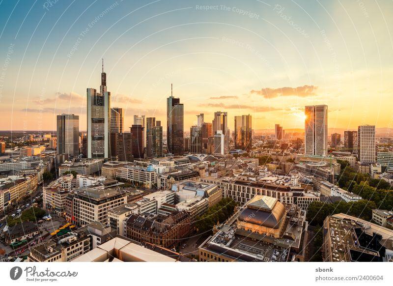 Frankturter Sommerabend Ferien & Urlaub & Reisen Business Büro Hochhaus Skyline Stadtzentrum Frankfurt am Main Großstadt